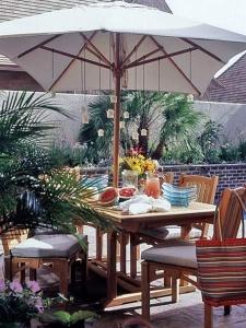 outdoor umbrella chandelier