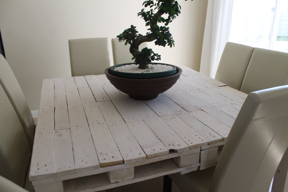 Whitewashed Pallet Coffee Table Dining