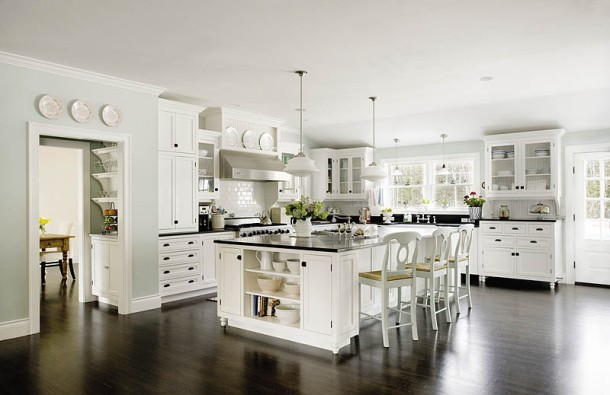 Classic black and white kitchen